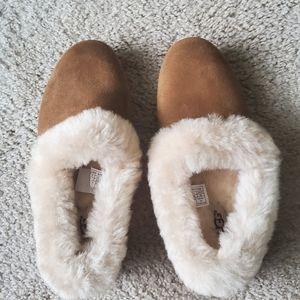 Like New Ugg Slippers